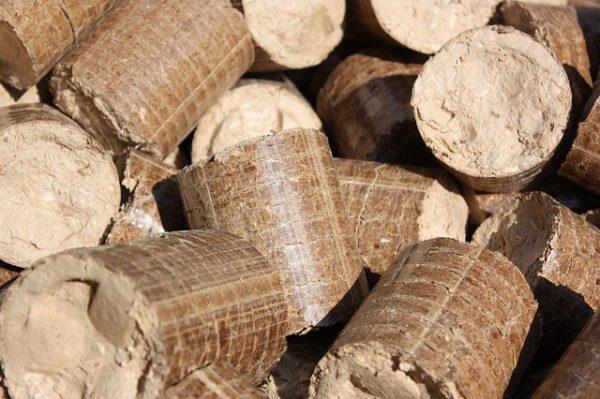 briquettes-432098_640